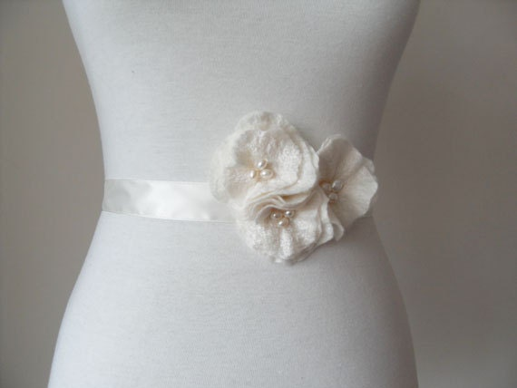 Bridal Sash Bridal Belt Wedding Sash or Prom with Rose Flowers and Fresh Water Pearls Dress Sash