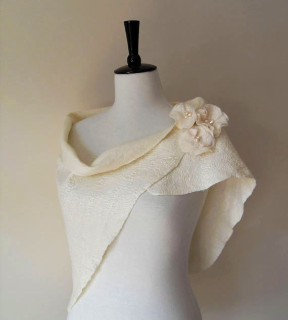 Bridal Shawl Bridal Wrap Shrug White Ivory Bridal Stole Scarf Wedding Wool and Silk with matching brooch and fresh water pearls