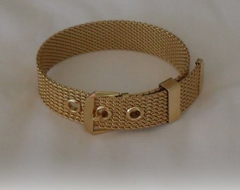 Mesh Buckle Bracelet Gold Plate Signed AVON Excellent Condition SALE