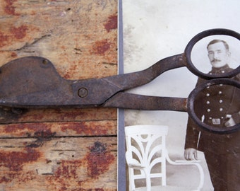 THE COLONEL's SCISSORS // antique primitive scissors