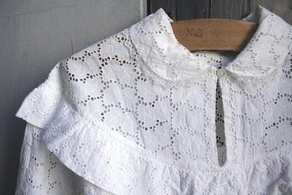 1900s Italian Vintage blouse // Eyelet cotton // Antique white blouse