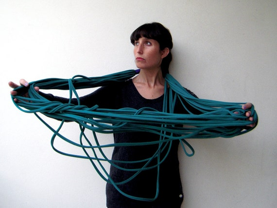 The noodle scarf - handmade in emerald jersey cotton fabric