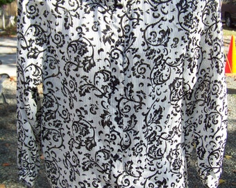 Womens Black and White Blouse / Size 16