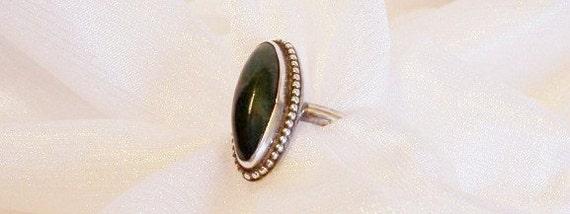 Vintage Jade Sterling Silver Ring: Size 10, Dark Green Jade Ring - J1013