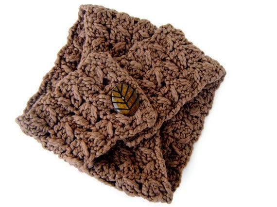 Brown fall organic brown scarflette. Luxuriously soft, gorgeous earth tone 100% organic wool scarflette - Fall / Winter fashion 2012
