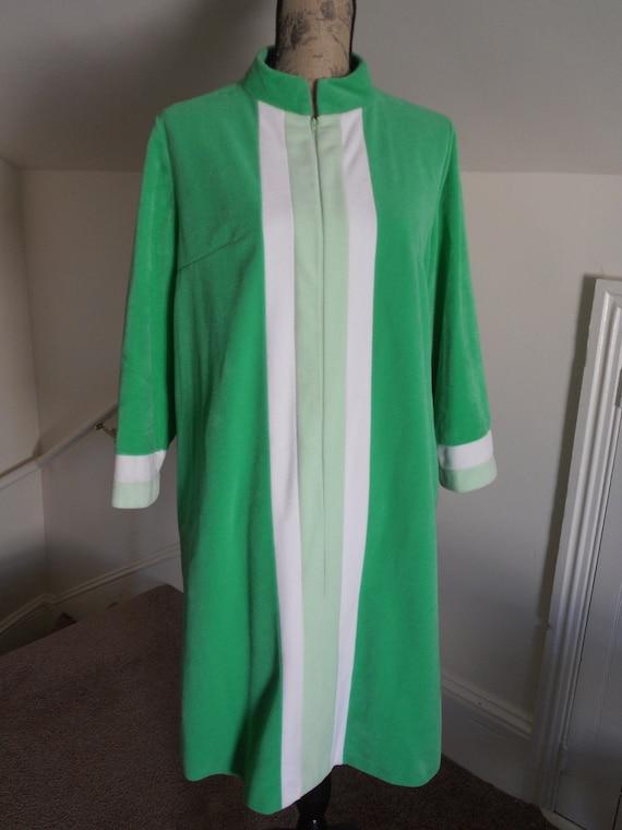 Vintage Robe Vanity Fair Housecoat Kelly Green Medium Front Zipper Striped