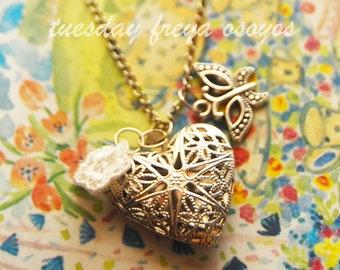 Radiant filigree heart locket necklace, silver locket, photo locket, locket set of bridesmaid gifts