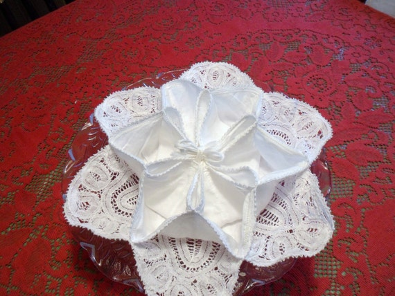 Belgian Lace Hot Roll Holder, Linen Bun Server,  Biscuit and Muffin Server