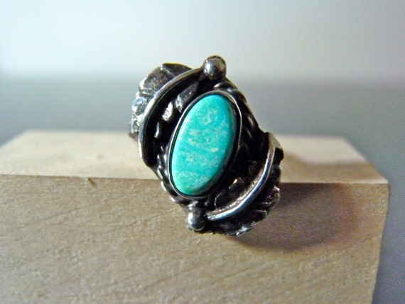 FALL SALE Vintage Silver Turquoise and Leaves Ring in a Sideways Setting