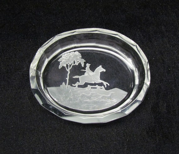 Vintage ring tray, men's dresser accessory, fox hunting scene PRICE REDUCED