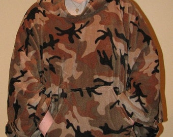 Hooded Fleece Poncho, ponco, Fleece Hooded Poncho, Camo Poncho, Military camo, mens poncho, womens poncho, poncho men, army camo,