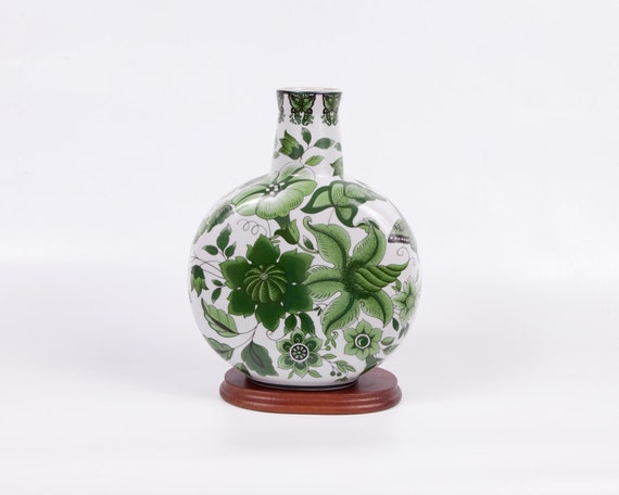 Vintage Oriental Porcelain Vase Green White Made in China Christmas Gift