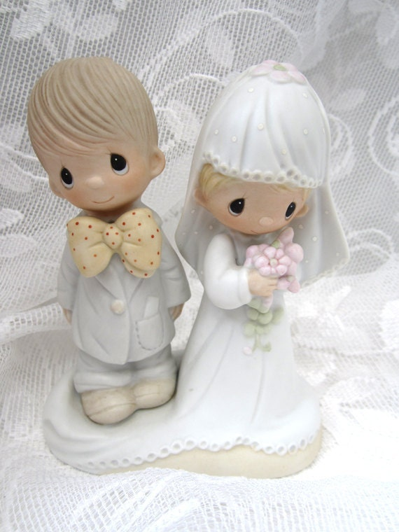 Vintage Wedding Cake Topper Precious Moments Bride and Groom  c.1979