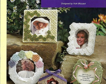Mini Frames in Plastic Canvas Pattern - The Needlecraft Shop 913311