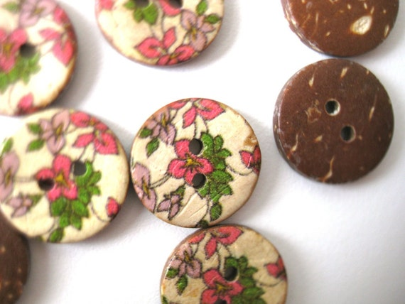coconut shell button painted pink purple flower 2 holes 15 mm 10 pieces nr 4