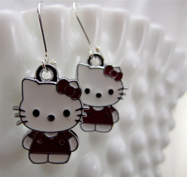 hello kitty earrings little girls girls teens jewelry. Black Bedroom Furniture Sets. Home Design Ideas