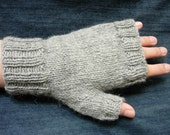 grey fingerless gloves for men knitted with yarn 100% wool