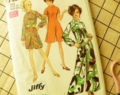 Swinging Sixties Pantdress in two lengths Simplicity Pattern 7909