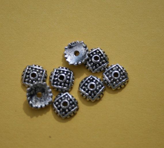 25 Bead Caps, 7 mm  Square, Antique Silver Tone - bc008