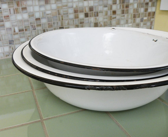 Three White Vintage Metal Bowls With Black Trim / Kitchen Bath Cottage Shabby Chic Decor