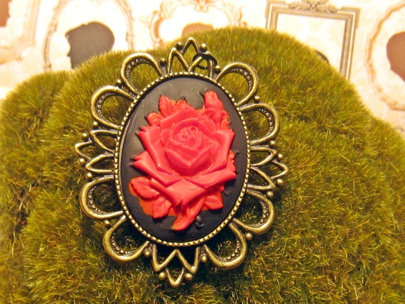 Rose Cameo Pendant (red and black)