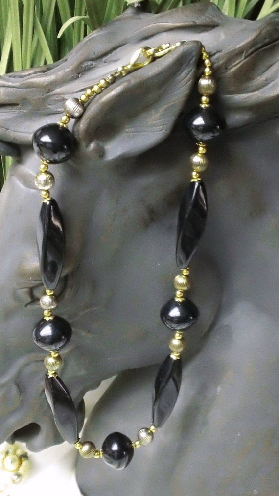 Vintage 1980s Black Gold Chunky Necklace