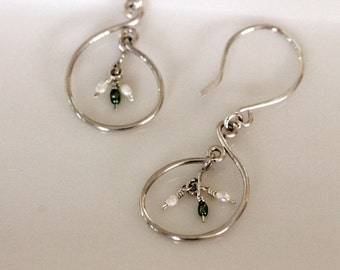 handcrafted sterling silver hoop earrings w / white & green freshwater seed pearls / wire work by girlthree