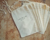 50 Wedding Medium Muslin Bag for Favors Hand-Stamped with Custom First Names and Date