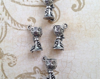 Wine Goblet Glass  Charms w/grapes wrapped around--4 pieces-(Antique Pewter Silver Finish)--style 850-Free combined shipping