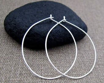 Hoop Earrings. Thin Sterling Silver Earrings. Handmade Teardrops Hoops. Modern Jewelry / Classic Earrings / Silver Hoops / Trendy Earrings