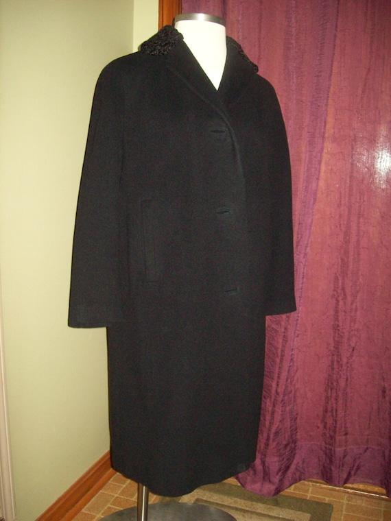 Vintage womens coat 60s black wool winter Lambswool collar