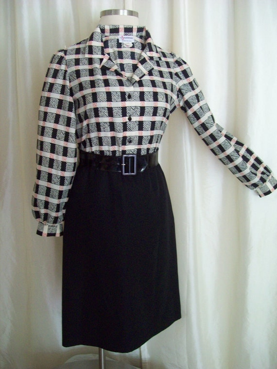 RESERVED Vintage 70s dress The Shirtdress black white red shirtwaist