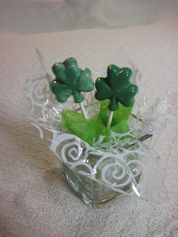 12 Lucky Clover chocolate pops
