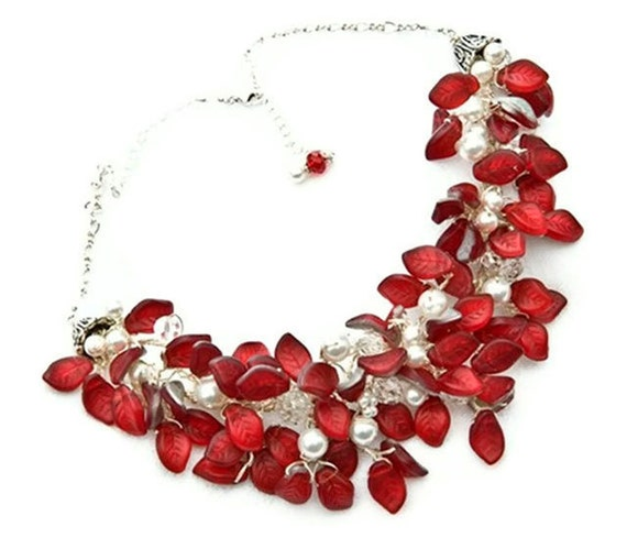 Chunky Red Statement Necklace with glass leaves and pearls, Red Bridal Necklace, Red Bib Necklace, Red Beaded Necklace, Nature Jewelry, N427