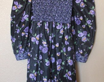 STORYBOOK Heirlooms Pansy print girls dress Size 10