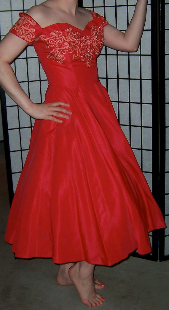 1950s Vintage Coral Red Full Skirt Prom By Tallulahsjunktrunk