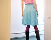 knee length vintage day dress / shirtdress in light pink and turquoise // size six