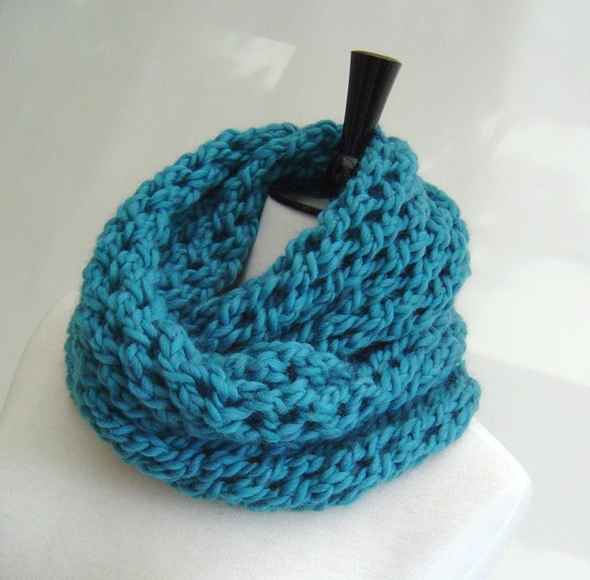Fast Knit Scarf Pattern : Knitting pattern Infinity Scarf quick and easy beginner scarf