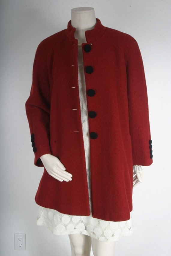 Vintage 1950s Red winter coat jacket with black buttons womens size M L XL