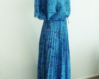 SALE 1970s Blue Flower Goddess Pleated Grecian Disco Gown / Long Floral Maxi Dress with Flutter Cape Sleeves