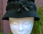 Vintage 1950s Black Felt  Bow Hat