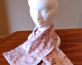 Vintage 1940s 'Dusty Pink Clouds' Scarf