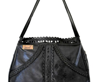L'AMOUR. Black leather tote / boho leather purse / shoulder bag / leather bag / bohemian leather bag. Available in different leather colors.