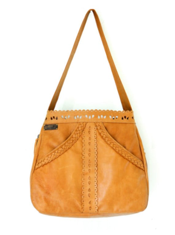 L'AMOUR.  Bohemian leather purse / leather shoulder bag / boho tote bag with hand-cut details / gypsy. Available in different leather colors