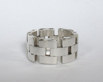 Watch link ring
