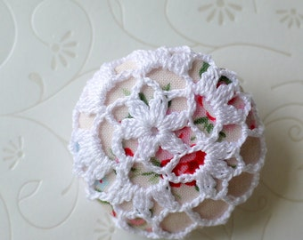 Crochet Button Brooch (Pink)