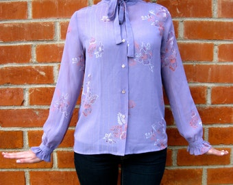 Vintage 70s - Lovely Floral Blouse - Purple / Pink - Ascot Bow & Ruffles - Womens Size S / M