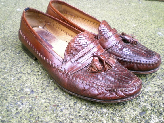 vintage woven loafers with tassels. men's Florsheim leather shoes. size 11.5
