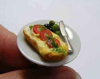 Food Jewelry Grilled Cheese Ring, Mediterranean Lunch Ring, Miniature Food Jewelry Mini Food Jewellery Cheese and olives ring Cheese Jewelry