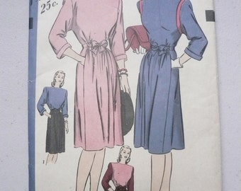 Antique Hollywood Pattern 1682  Two Piece Dress Misses Size 14  Factory Fold
